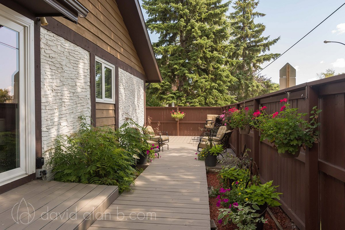 Winnipeg Bungalow - Deck and Patio Design and Renovation
